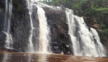 Cachoeira do Engenho Velho, em Cocal, uma das mais bonitas do Piauí