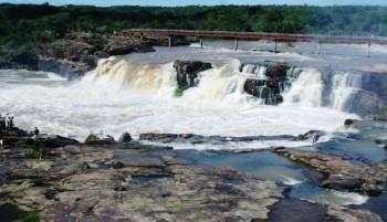 Cachoeira do Urubu, em Esperantina, a mais famosa cachoeira do Piauí
