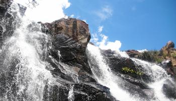 Passo a passo para chegar na cachoeira de Saquarema
