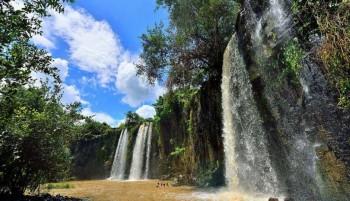 Visite a cachoeira da Pedra Negra, atrativo que fica a 40 km de Campo Maior