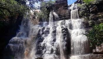 Visite a cachoeira de Santo Antônio, em São Félix do Piauí