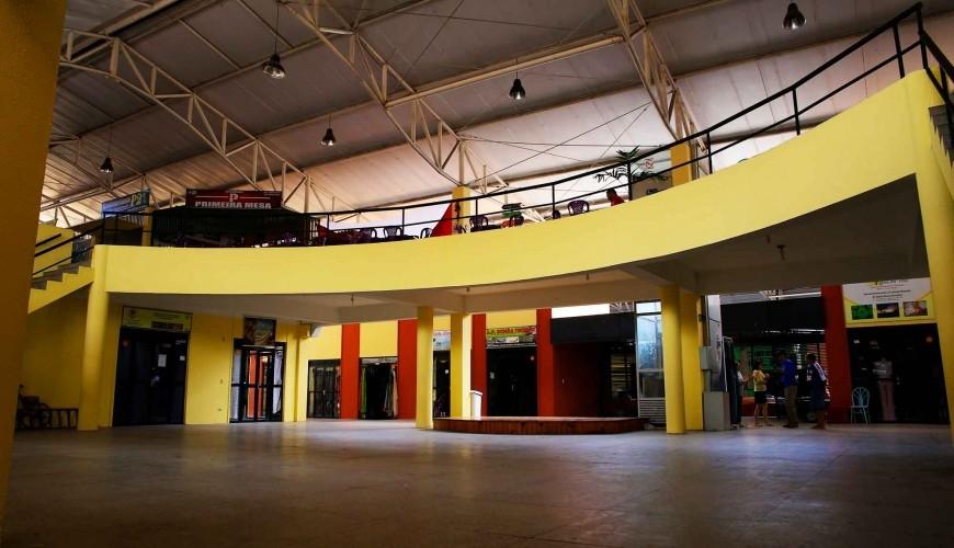 Mercado do Artesão, local que une a produção do artesanato de Pedro II