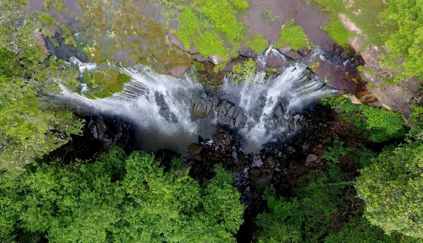 Visite a Cachoeira da Bica, um belo ponto turístico em Jatobá do Piauí