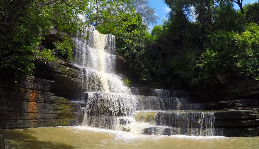 Visite uma das cachoeiras mais famosas do Piauí, a cachoeira do Tingidor