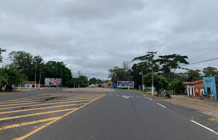 Rotatória da entrada da cidade de Mosenhor Gil
